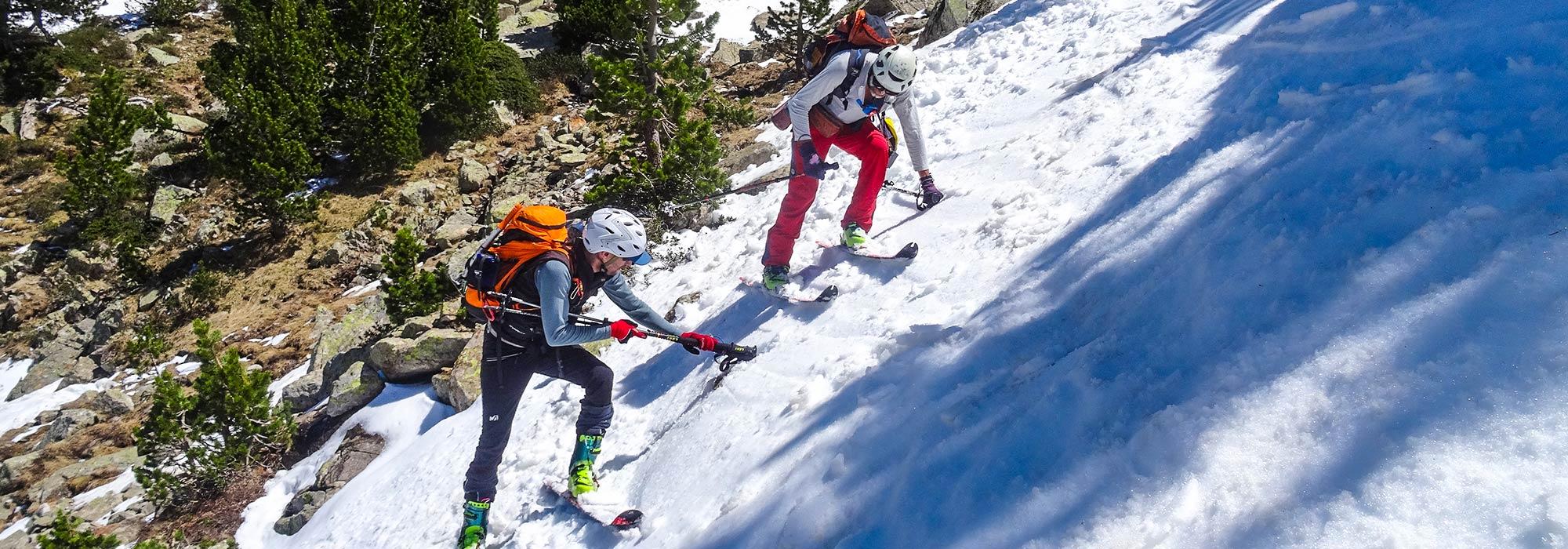 Esquí de montaña. Progresión en tijera