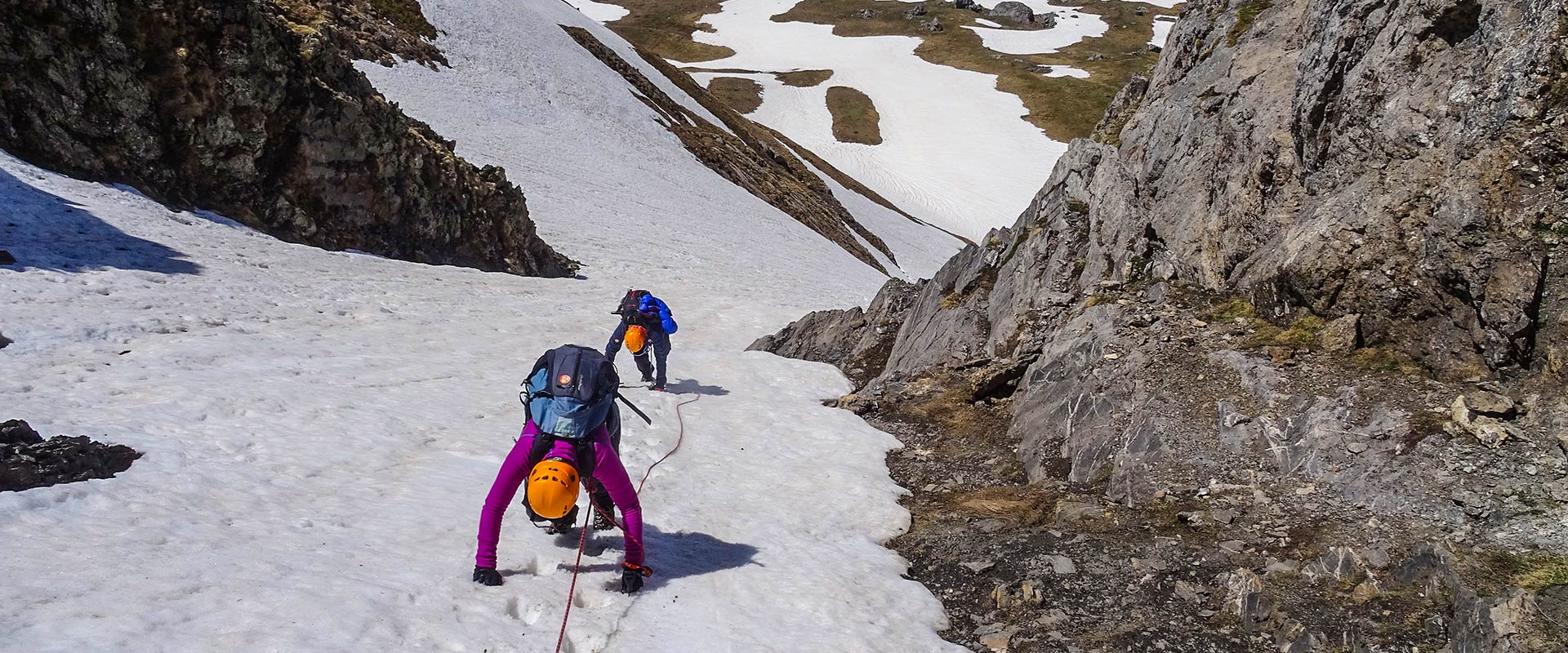 cursos de alpinismo. Casteret Guías de montaña