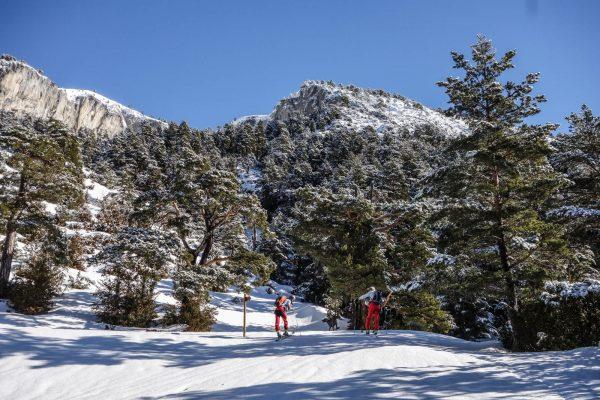 Collarada con esquís. Casteret guías de montaña