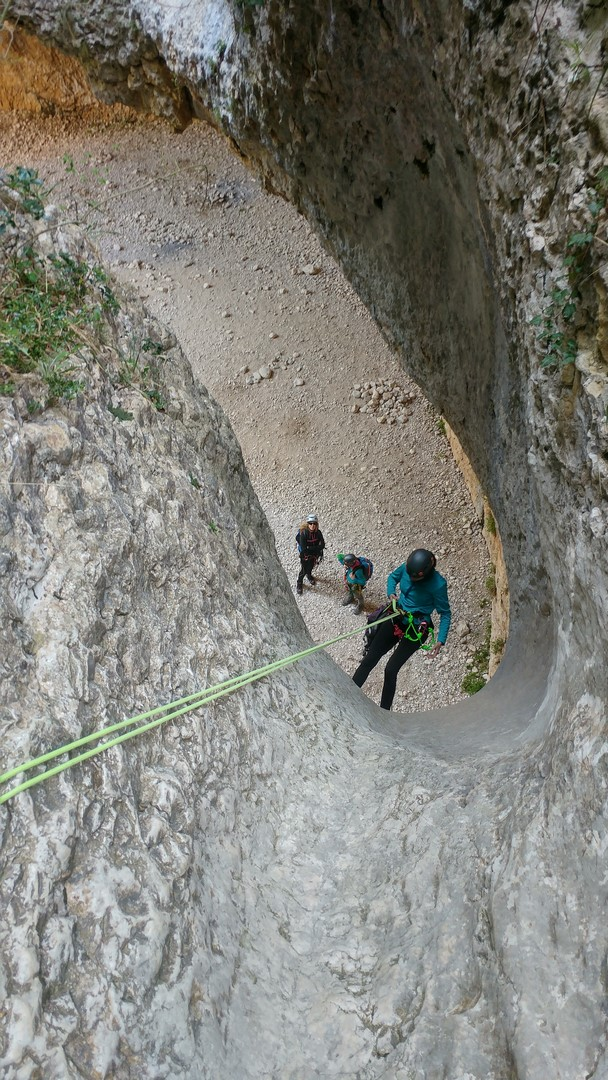 Curso de iniciación al descenso de barrancos