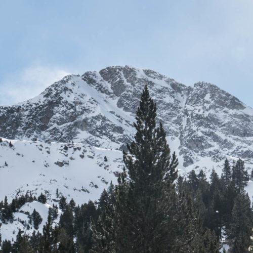 Foratulas con esquí de montaña